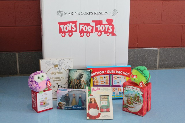 toys-for-tots-002